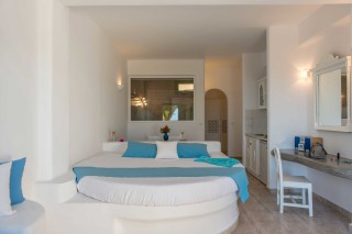 apartments aelia by eltheon bedroom area