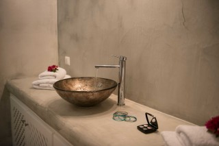 apartments aelia by eltheon big bathroom