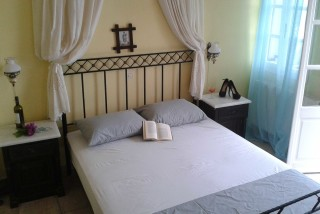 studios aelia by eltheon bedroom